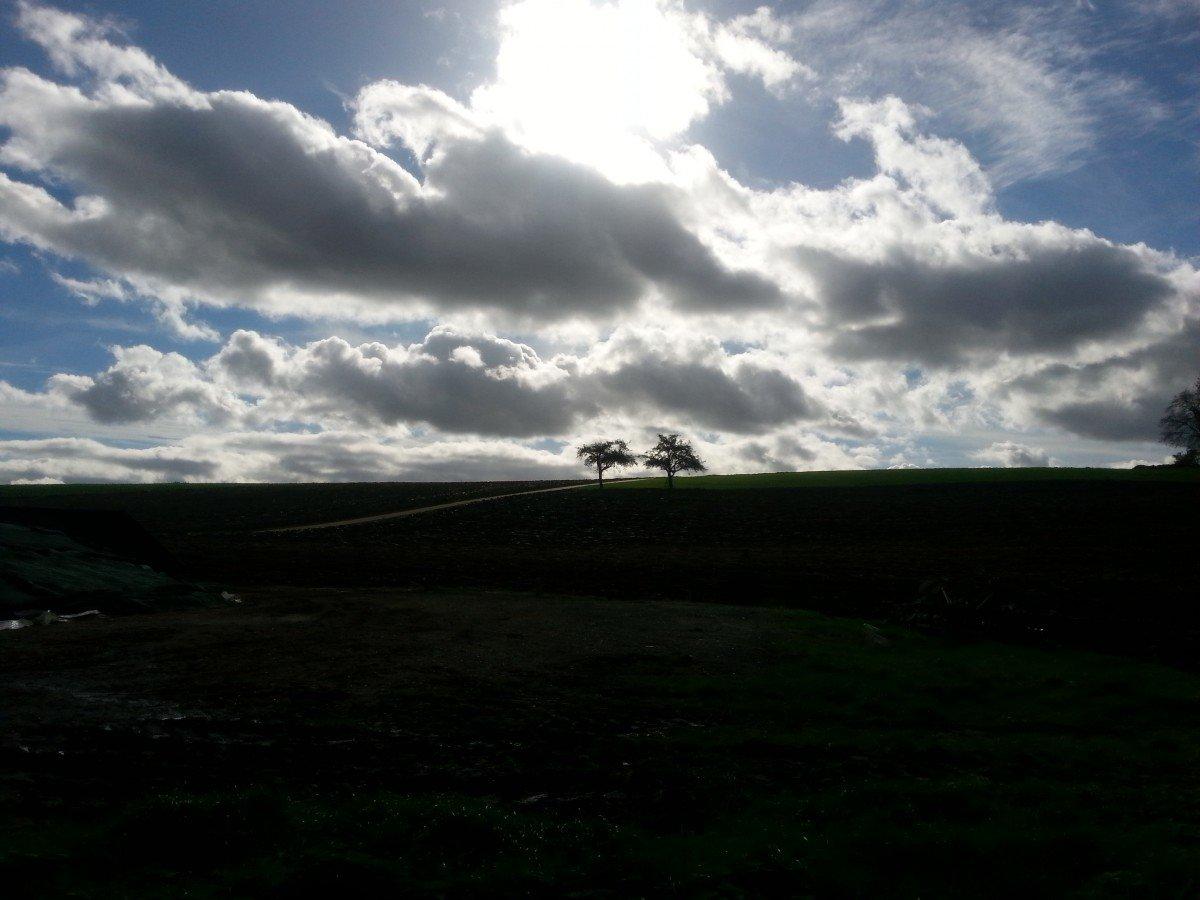 Typisches Himmelsbild beim Herannahen eines Troges